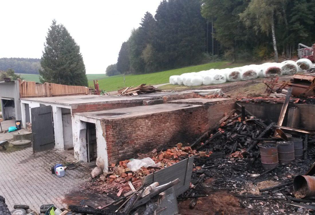 Noteinsatz Brandstelle Stallgebäude, Falkenberg