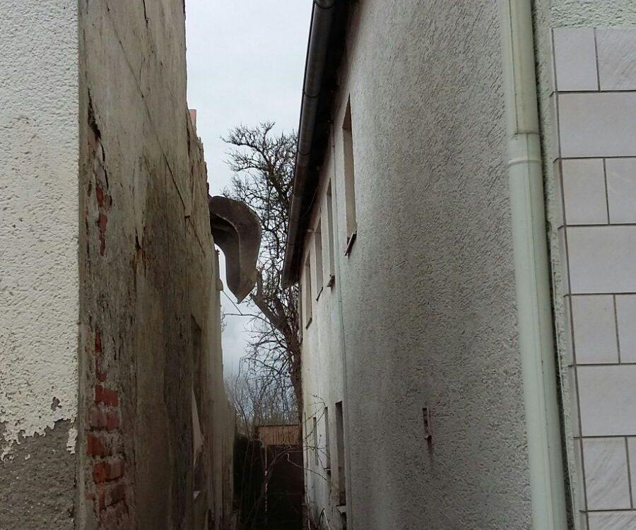 Abbruch Gaststaette mit Wohnhaus, Ettling