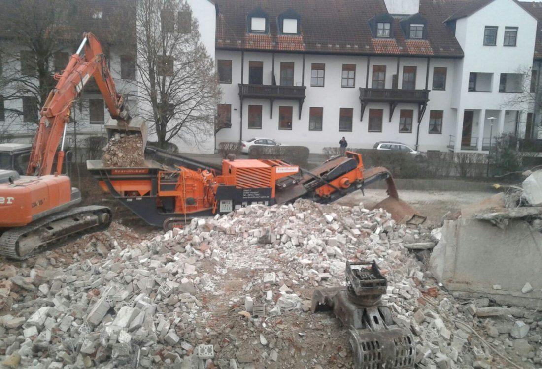 Abbruch Pflegeheim aus Stahlbeton, Bad Griesbach