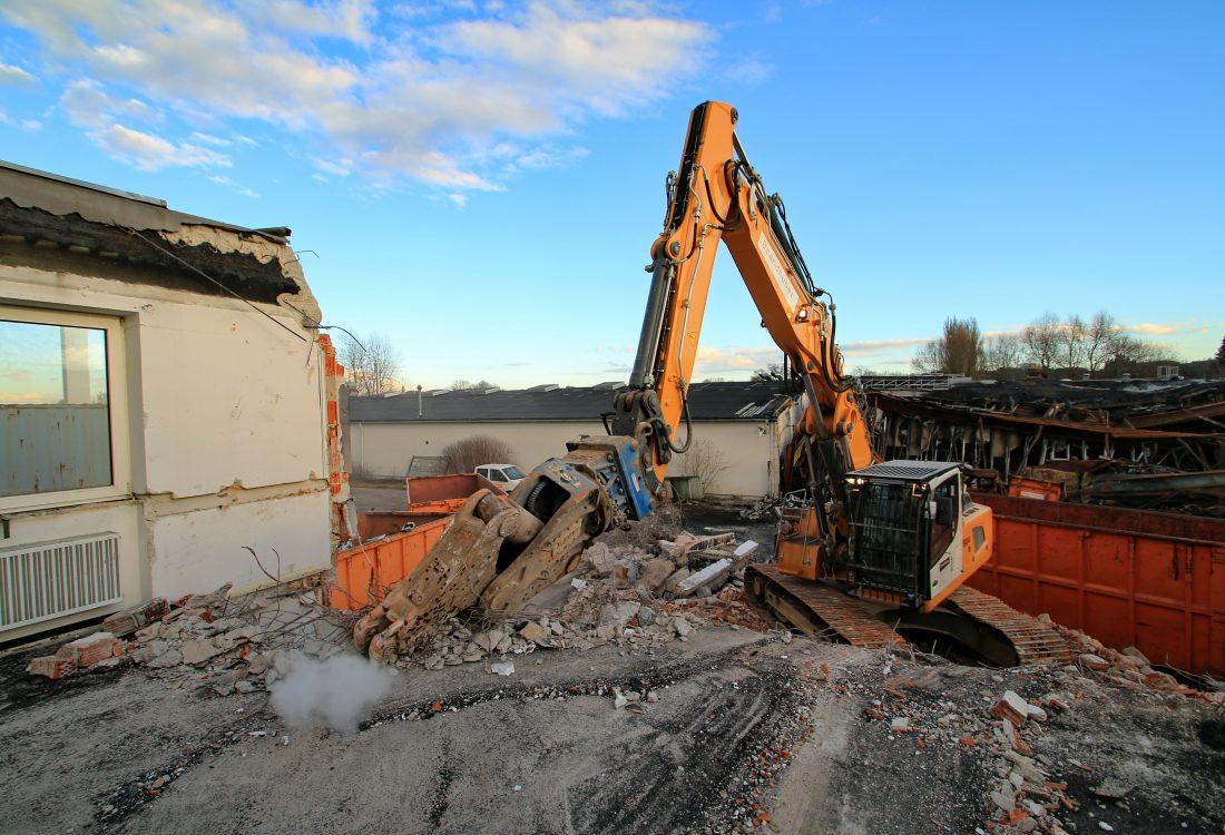 Räumung Brandstelle Gewerbehalle, Landshut